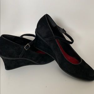 Leather suede black wedges size 6